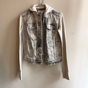 Express Gray Jean Jacket w Inside Pockets